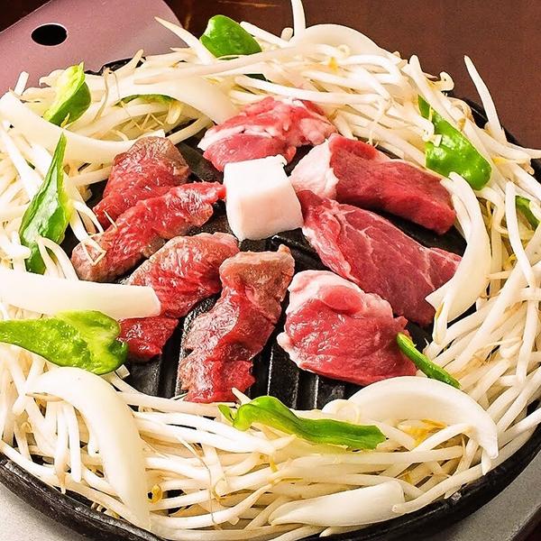 厳選されたラム肉使用のジンギスカン&北海道【知床どり】食べ放題♪